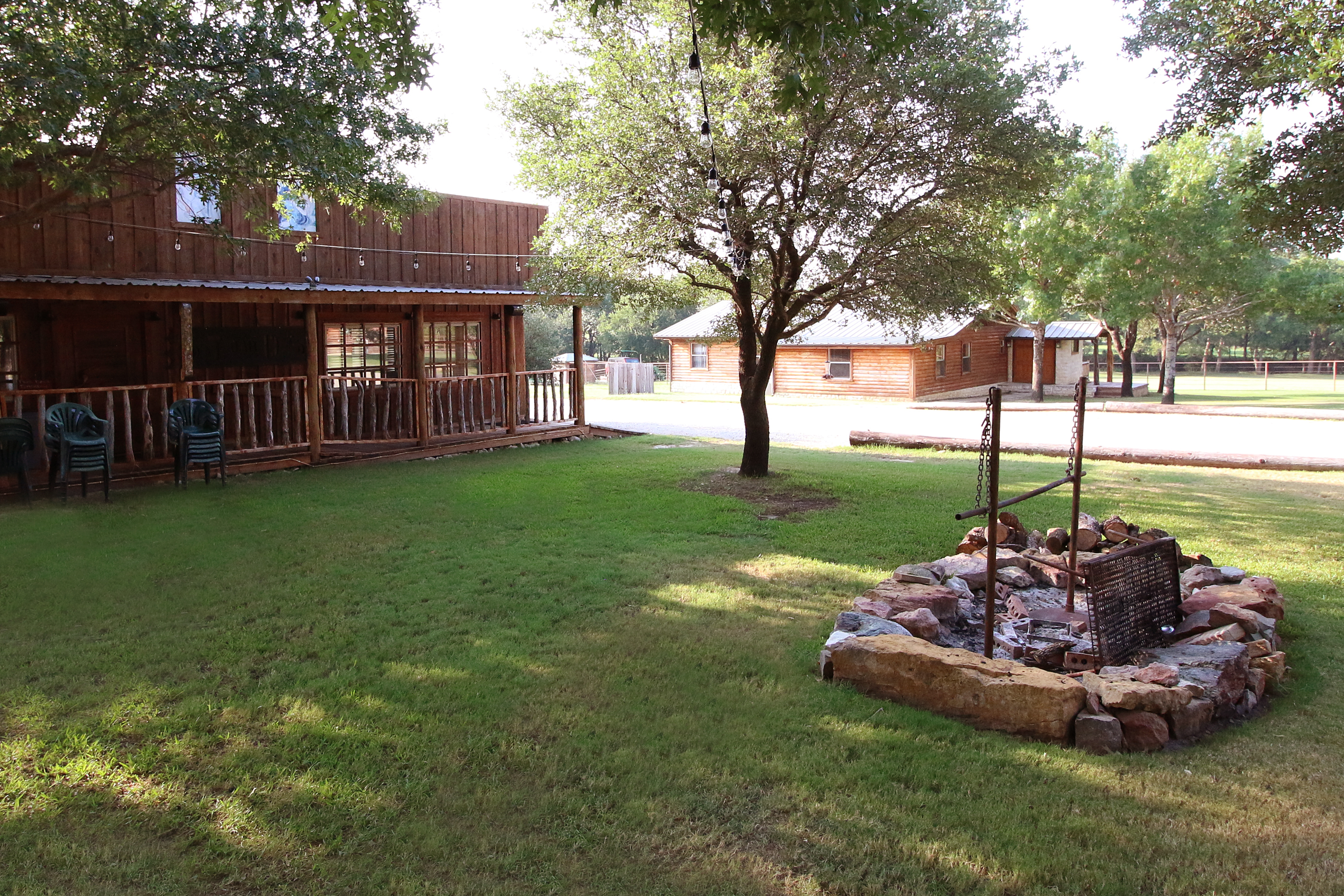 Lucky Spur Ranch – Fire Pit / Courtyard