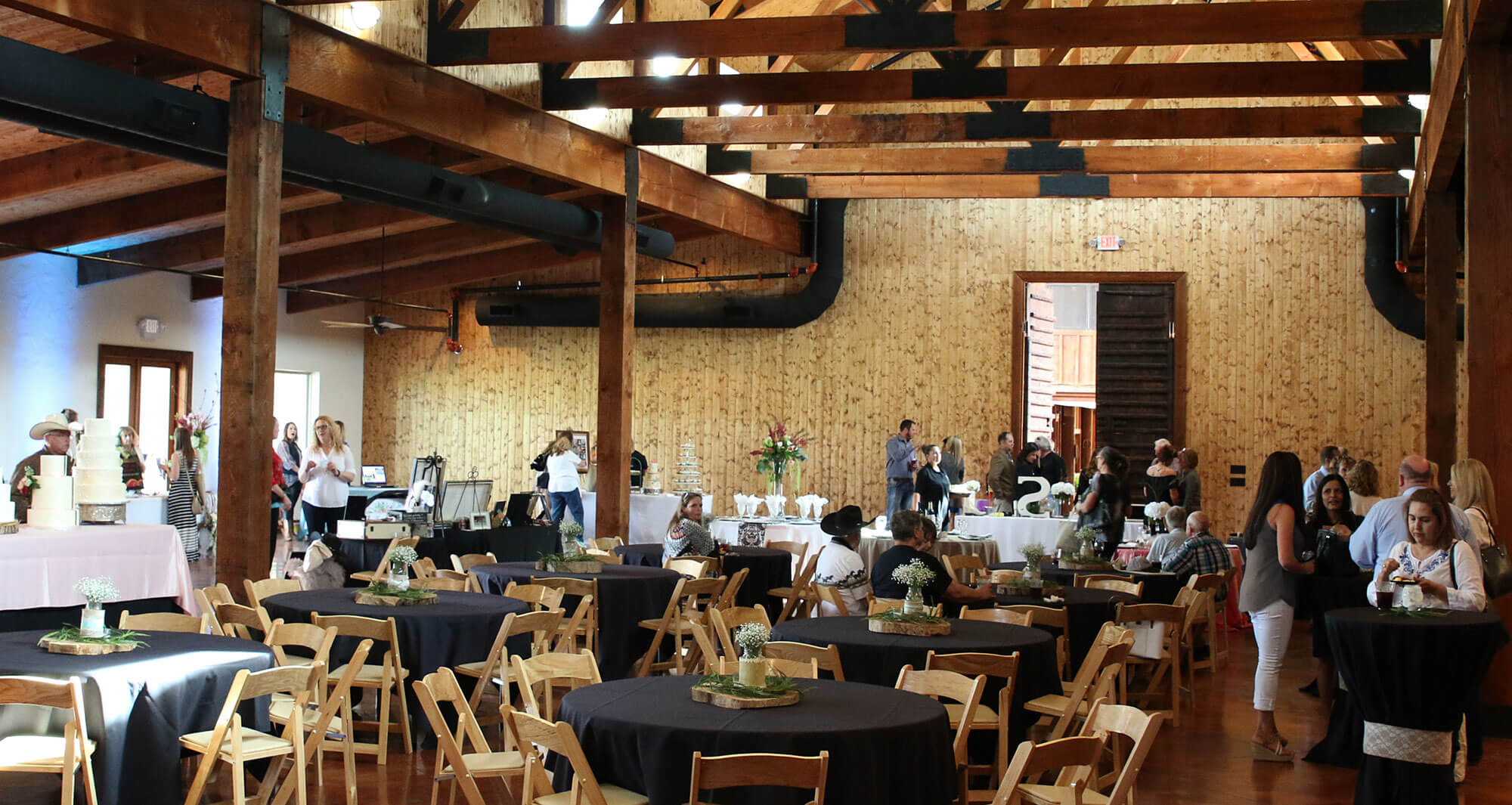 Lucky Spur Ranch – Reception Barn