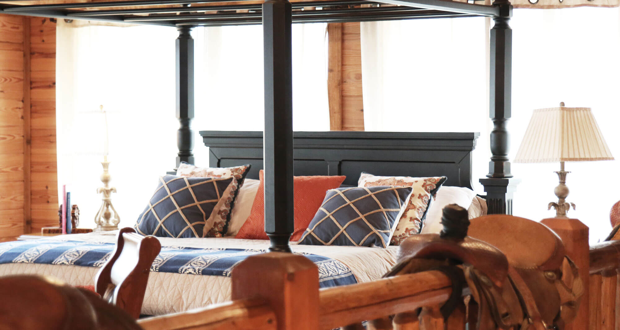 Lucky Spur Ranch – Luxurious Cabins