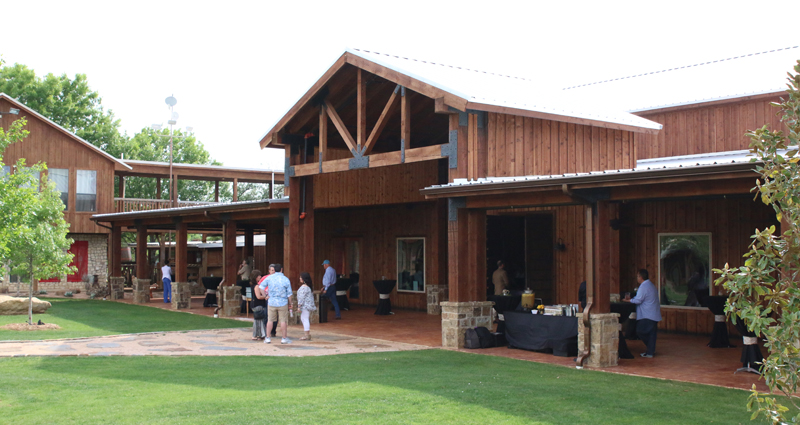 Lucky Spur Ranch – Covered Patio